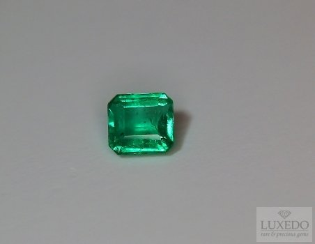emerald gemstone 1