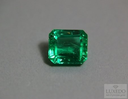 emerald gemstone 4